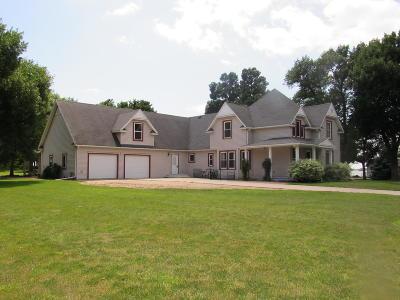 Lake Park Single Family Home For Sale: 205 Lake Avenue