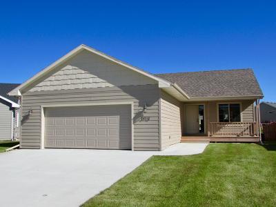 Spirit Lake Single Family Home For Sale: 3713 Keokuk Avenue