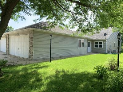 Spirit Lake Single Family Home For Sale: 406 Hill Avenue #A