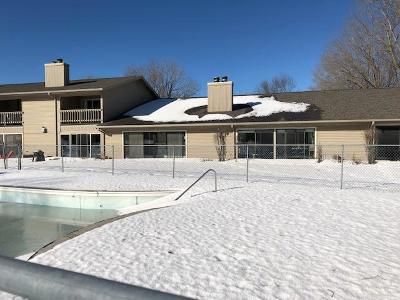 Okoboji Condo/Townhouse For Sale: 2100 Country Club Drive #8