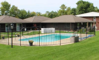 Okoboji Condo/Townhouse For Sale: 1650 Country Club Drive #1