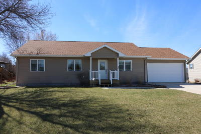 Spencer IA Single Family Home Active Contingent: $209,900