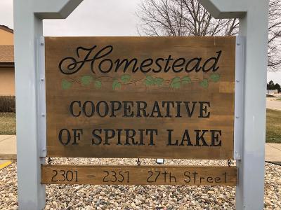 Spirit Lake Condo/Townhouse Active Contingent: 2351 27th Street #2305