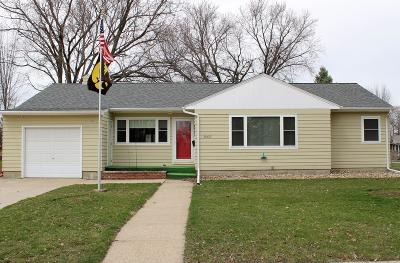 Emmetsburg Single Family Home Active Contingent: 3007 5th Street