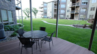 Arnolds Park Condo/Townhouse For Sale: 425 240th Avenue #102