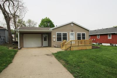 Estherville Single Family Home Active Contingent: 1327 2nd Avenue N