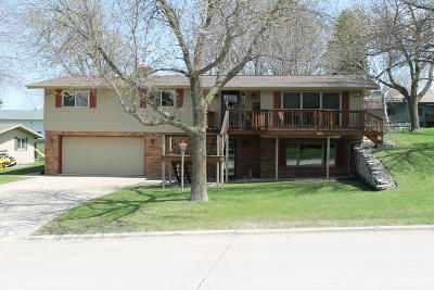 Spencer IA Single Family Home Active Contingent: $159,900