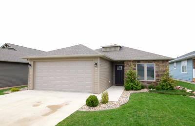 Spencer IA Single Family Home Active Contingent: $169,000