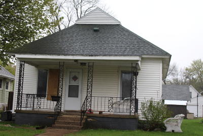 Single Family Home Sold: 214 E 10th Street