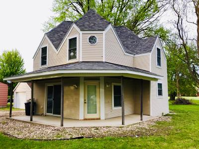 Lake Park Single Family Home For Sale: 306 E 5th Street