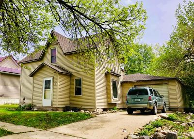 Lake Park Single Family Home For Sale: 106 E 1st Street