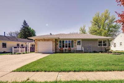 Estherville Single Family Home For Sale: 1627 Maplecrest Drive