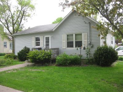 Emmetsburg Single Family Home Active Contingent: 2001 Grand Avenue