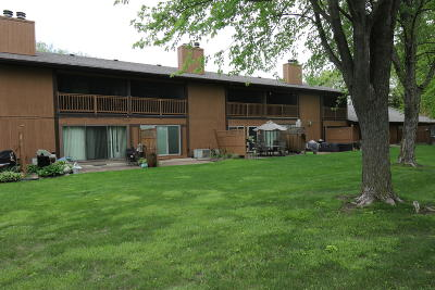 Okoboji Condo/Townhouse For Sale: 2300 Country Club Drive Unit 7
