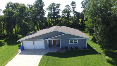 Spirit Lake Single Family Home For Sale: 2959 Hwy 9/71