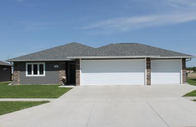 Spencer IA Single Family Home Active Contingent: $199,900