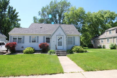 Estherville Single Family Home For Sale: 221 N 12th Street