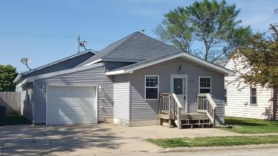 Armstrong Single Family Home For Sale: 704 4th Avenue