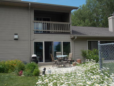 Okoboji Condo/Townhouse For Sale: 2100 Country Club Drive #7