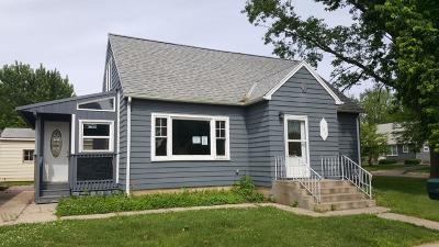Estherville Single Family Home For Sale: 121 N 17th Street