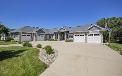 Okoboji Single Family Home For Sale: 1006 Brooks N. Lane