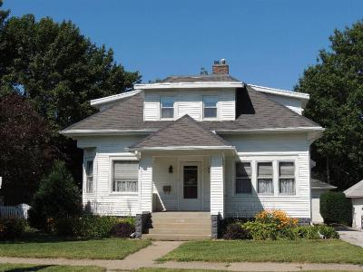 Single Family Home For Sale: 207 South 9th St