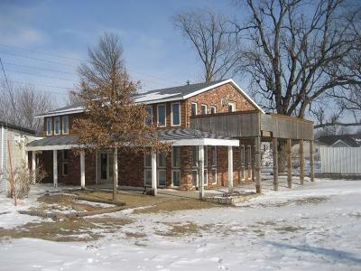 Marshalltown IA Single Family Home Sale Pending: $109,500