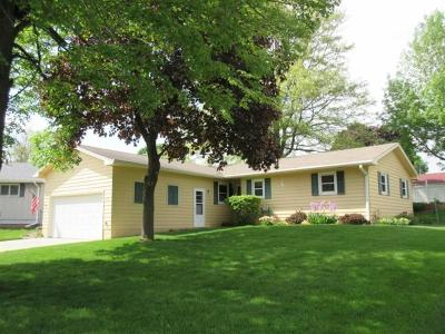 Marshalltown IA Single Family Home Sale Pending: $129,900