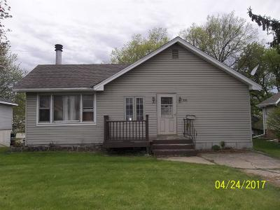 Marshalltown Single Family Home For Sale: 1011 S Center
