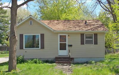 Marshalltown Single Family Home For Sale: 208 S 13th Street