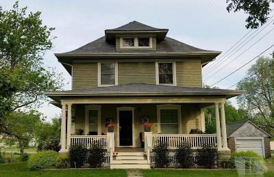Toledo Single Family Home For Sale: 303 North East