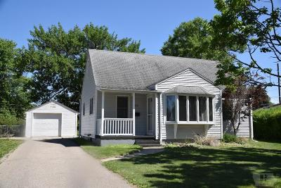 Marshalltown Single Family Home For Sale: 312 S 17th Avenue