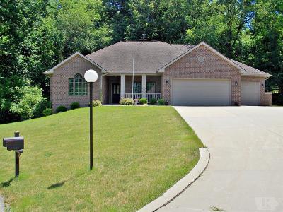 Marshalltown Single Family Home For Sale: 2004 Elmcrest Drive