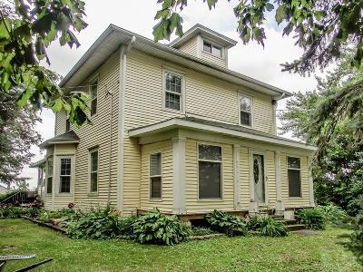 Marshalltown Single Family Home For Sale: 2302 170th Street