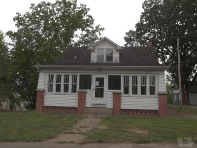 Toledo Single Family Home For Sale: 504 South Broadway Street