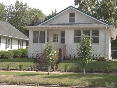 Marshalltown Single Family Home For Sale: 610 W Boone Street
