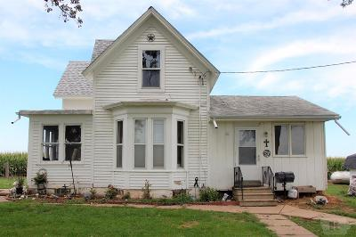 Tama Single Family Home For Sale: 2337 Hwy E64