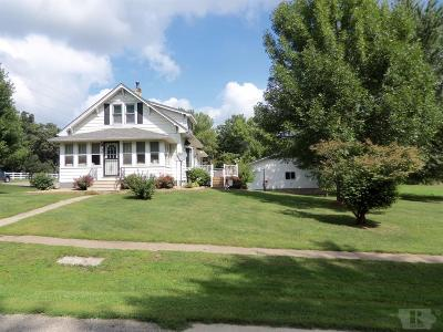Tama Single Family Home For Sale: 901 East 9th Street