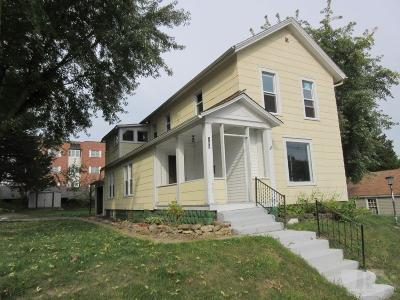 Marshalltown Single Family Home For Sale: 108 North 12th Street