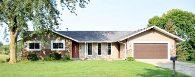 Marshalltown Single Family Home For Sale: 409 Springfield Drive