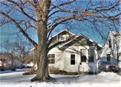 Marshalltown Single Family Home For Sale: 1607 Summit Street