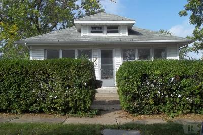 Marshalltown IA Single Family Home For Sale: $34,900