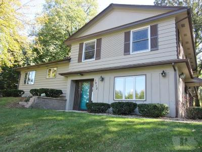 Marshalltown Single Family Home For Sale: 1912 Knollwood Drive