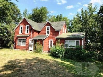 Gilman Single Family Home For Sale: 3265 325th Street
