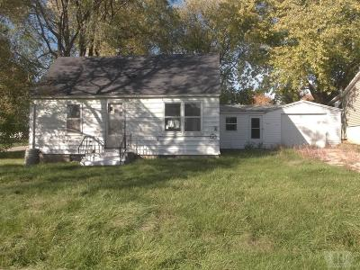 Marshall County Single Family Home For Sale: 207 W Marshall Street