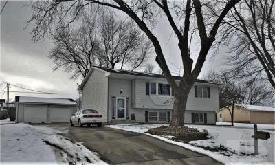 Gilman, Toledo Single Family Home For Sale: 403 N Elm Street