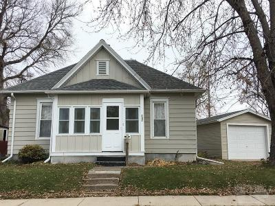Marshalltown Single Family Home For Sale: 107 N 4 Avenue