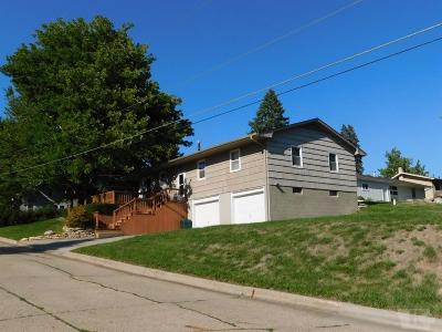 Single Family Home For Sale: 121 S 8th Ave W