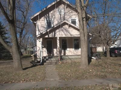 Marshalltown Single Family Home For Sale: 1505 W State Street