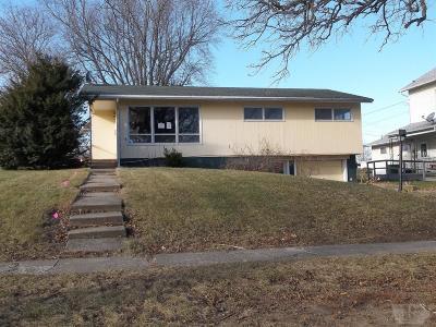 Tama Single Family Home For Sale: 1305 Siegel Street